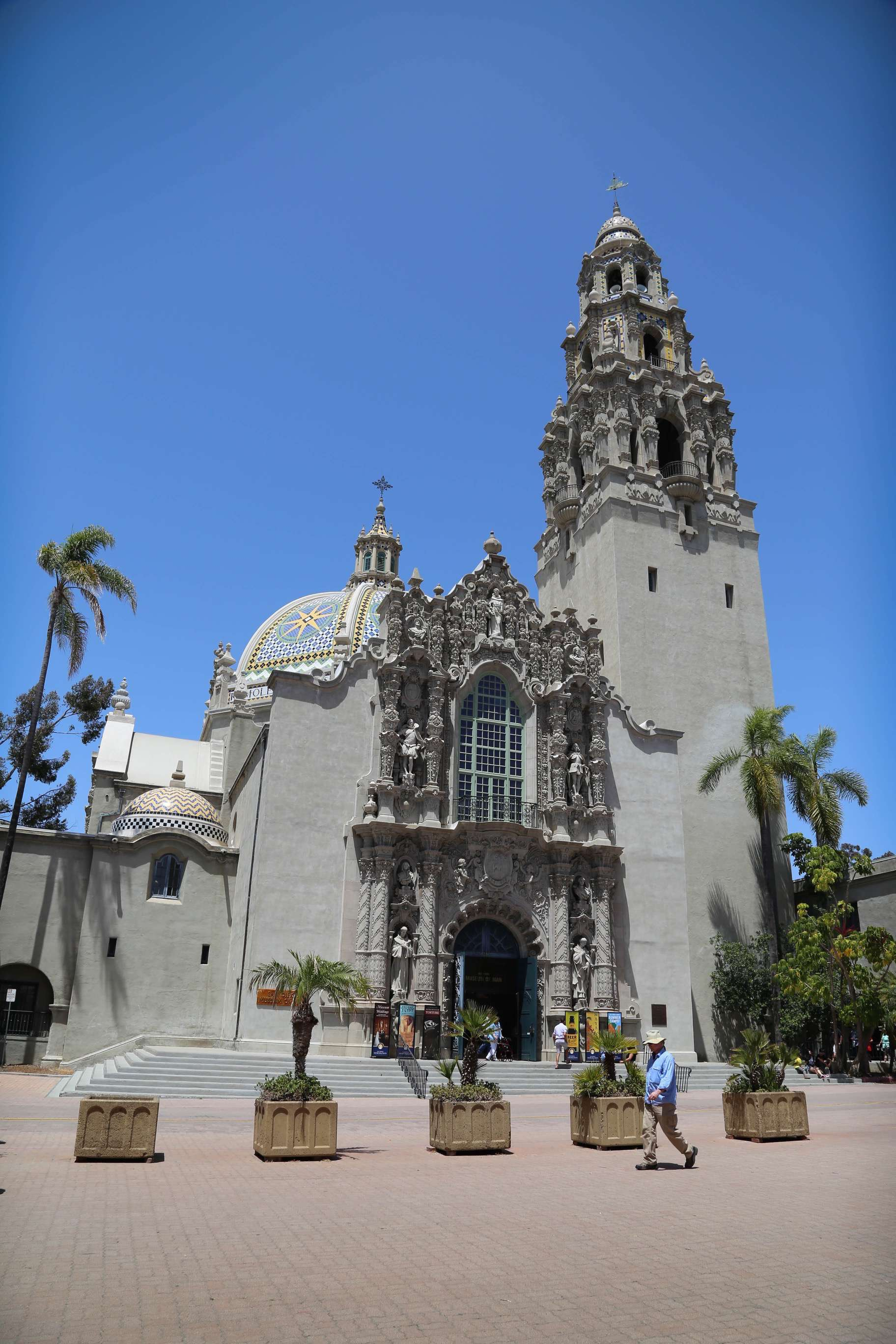 Balboa Park is home to the San Diego Zoo, lovely gardens and beautifully maintained buildings that retain their Spanish Colonial appearance.