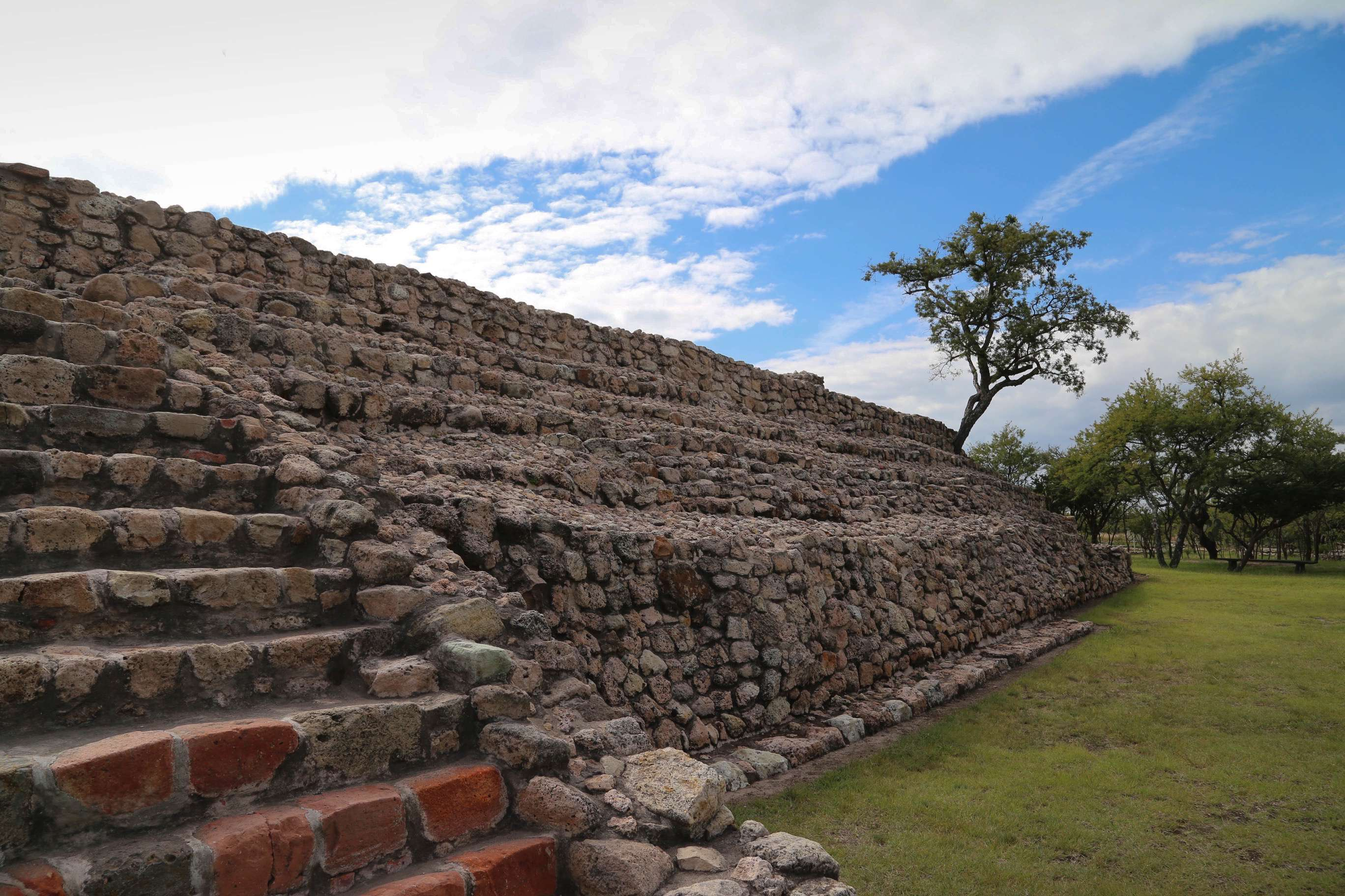 The steps up the pyramid are both steep and narrow, and visitors need to climb carefully.