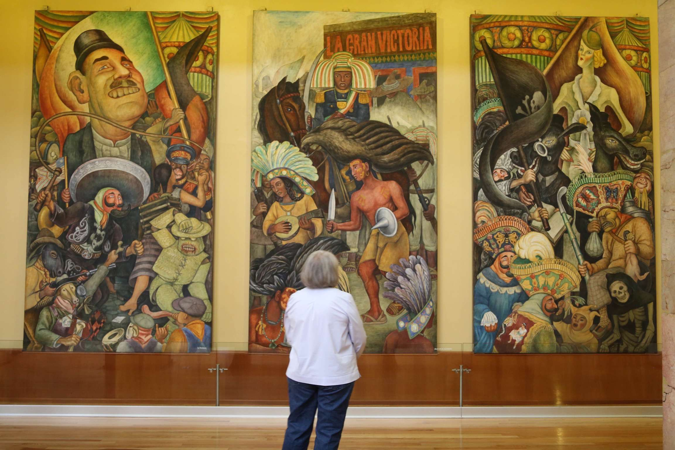 Mexico is famed for murals and Bellas Artes is an excellent spot to see works by artists such as Rivera and Siquerios.