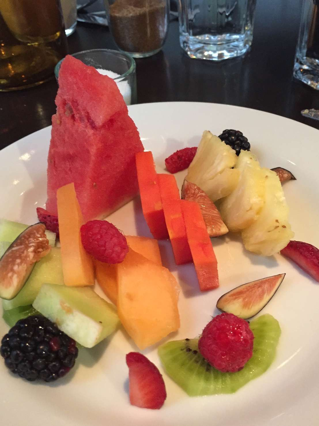 The abundance of a variety of fresh fruits is giving chefs in Mexico City new and creative options.