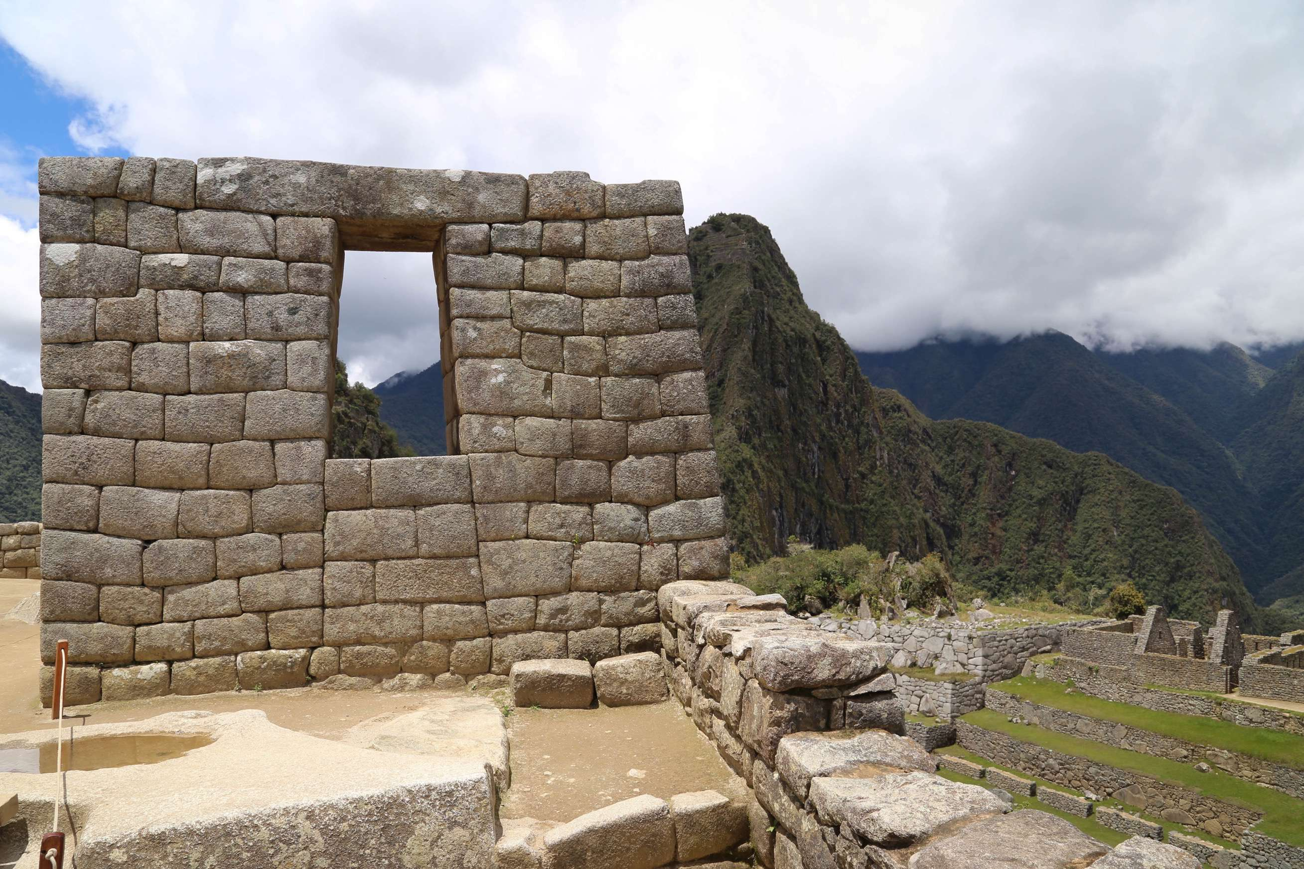 The Incas understood they lived in an earthquake-prone area, but solved the construction problem by giving their building a slight inward lean of about five degrees, giving walls and buildings added stability.