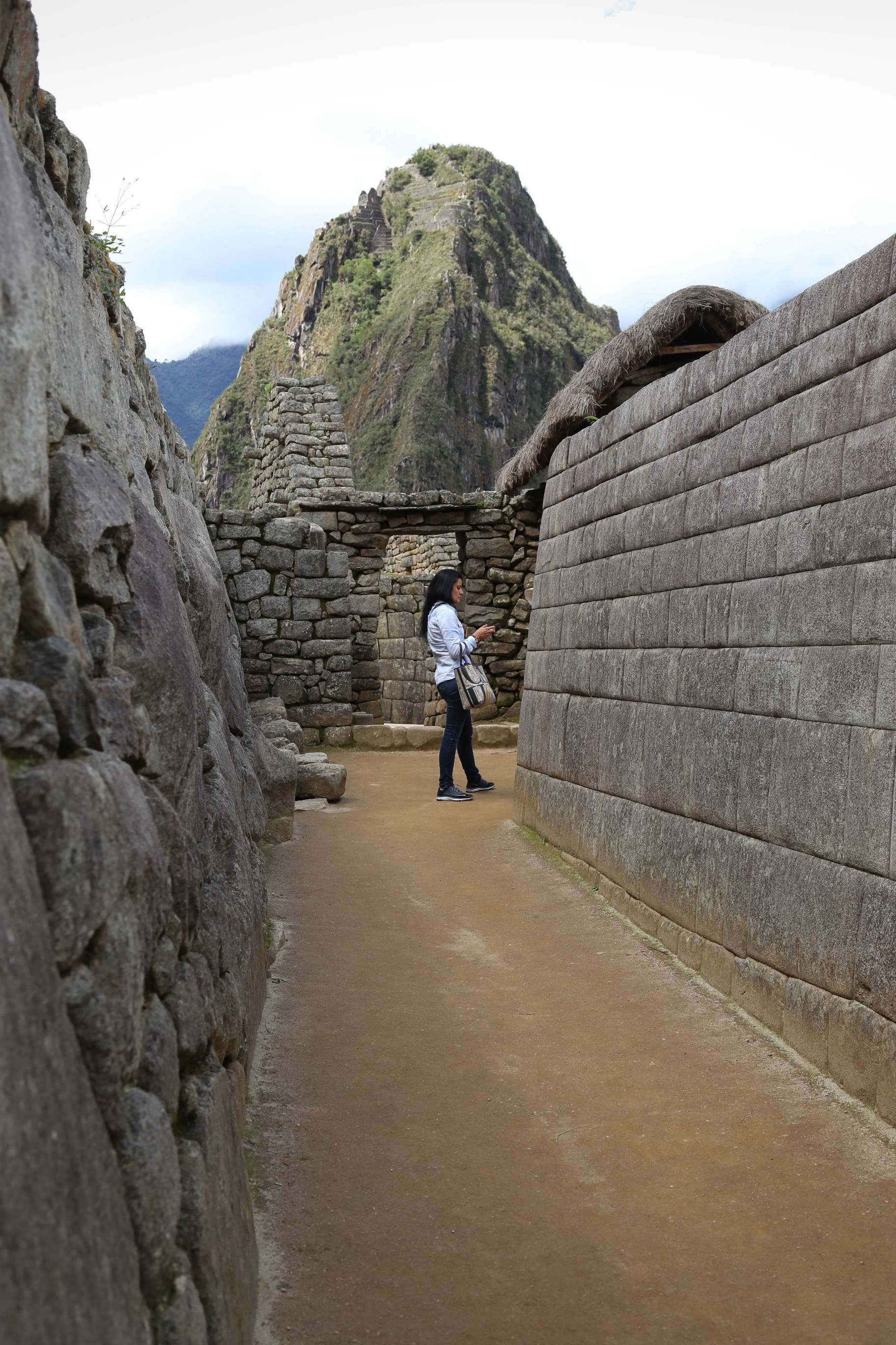 The Incas could fit stone precisely, but they did not have metal tools. It is thought they used harder river rock from the Urubamba River to shape the stones and then a slurry mixture of sand and water to smooth and finish the white granite.