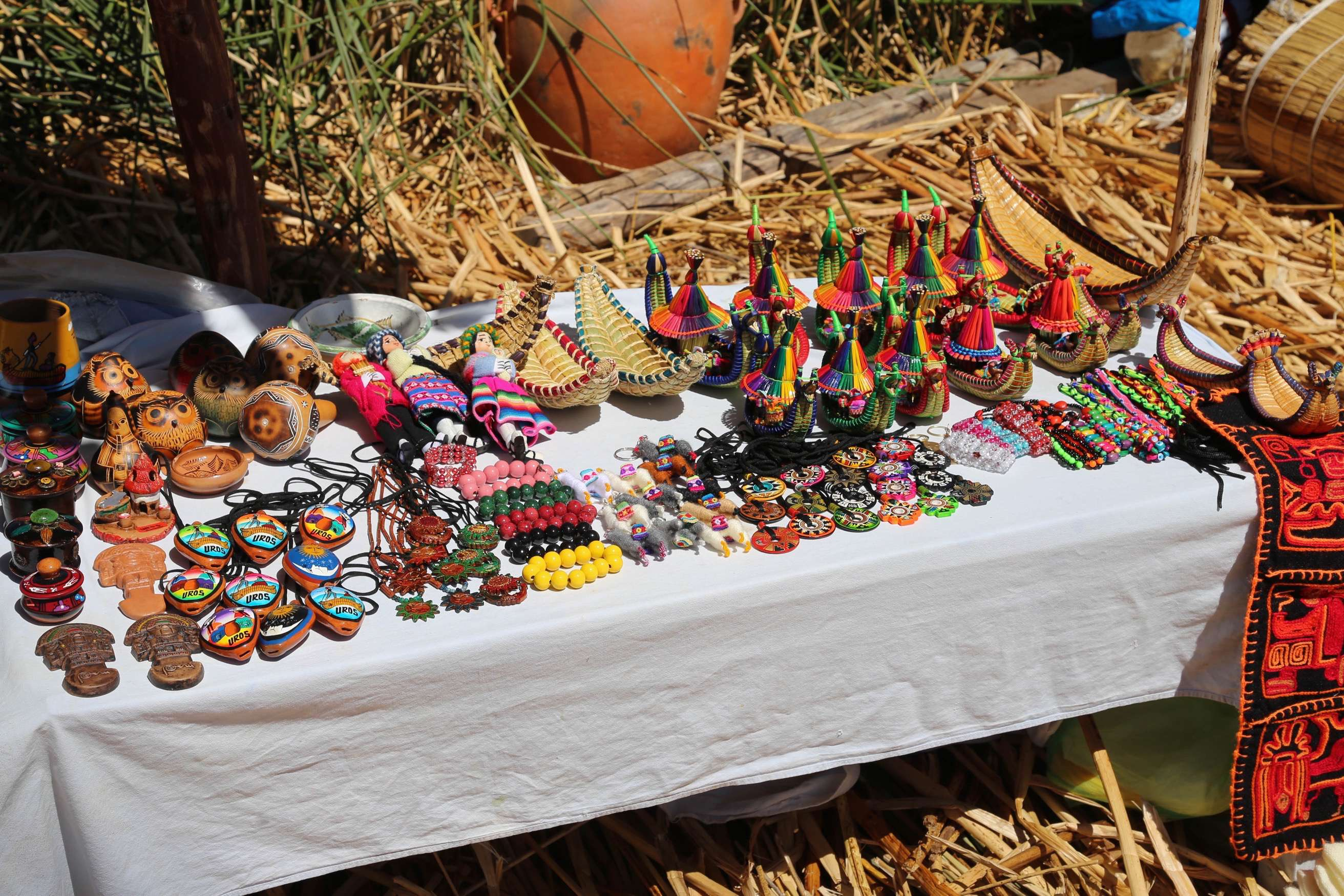 Handicrafts and trinkets are a steady source of revenue that tourists happily snap up.